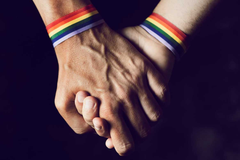 Gay hand roll